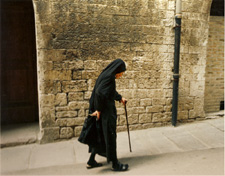 The Nun walks by the Wall